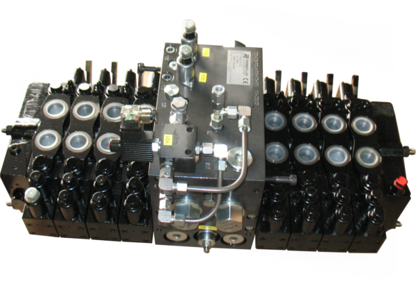 DIRECTIONAL CONTROL VALVE WITH MANIFOLD FOR RAILWAY SECTOR